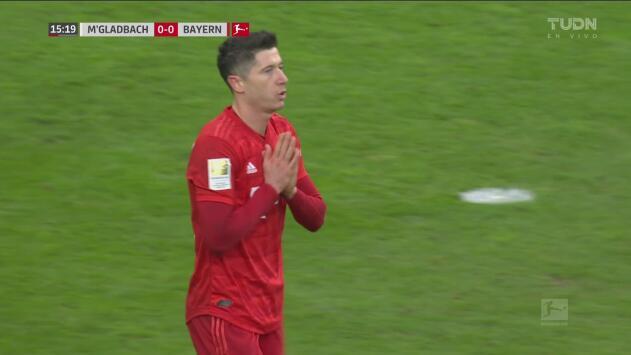 Lewandowski bombardea la cabaña del M'Gladbach pero se le niega el gol