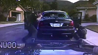Policías en el sur de California sorprendidos por ráfaga de fuego