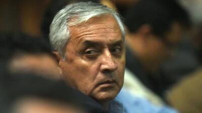 El rastro del dinero persigue al expresidente de Guatemala Pérez Molina