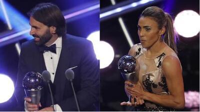 Marta y Pedros, los galardonados en el futbol femenil durante los premios The Best