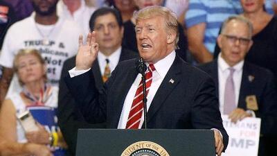 Trump amenazó con cerrar el gobierno si el Congreso no aprueba los fondos para construir el muro