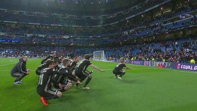 Ajax celebró de forma particular la goleada al Real Madrid en el Santiago Bernabéu