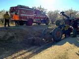 Identifican a trabajador del campo que murió aplastado por su tractor en huerto de almendros