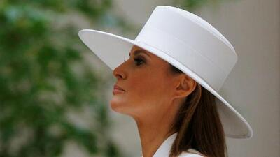 ¿La semana más desafiante para Melania Trump? Desde su caro vestido en la cena de Estado a su beso en el aire a Trump