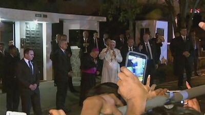 El Papa Francisco llama al diálogo en Ecuador al inicio de su gira