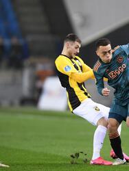 Ajax consigue su pase a las semifinales de la Copa de Holanda tras anotar tres goles al Vitesse por parte de Babel, Gravenberch y Tadic. El mexicano Edson Álvarez logra su segunda titularidad.