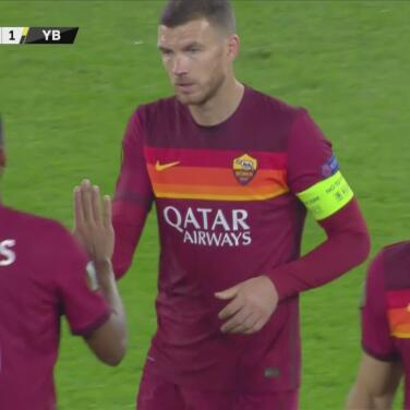¡Gran remate de Džeko! De volea anota el 3-1 de la AS Roma