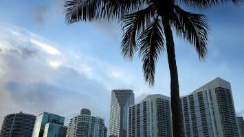 Tarde de miércoles con calor y advertencia por corrientes de resaca en el mar de Miami