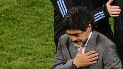 """Maradona llora a Fidel Castro, su """"segundo padre"""""""