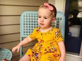 El abuelo de la bebé que cayó desde la ventana de un crucero es sentenciado a tres años de libertad condicional