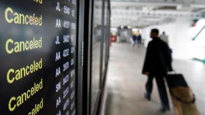 Van más de 350 vuelos cancelados en aeropuertos de área de Chicago