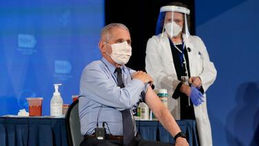 """Fauci, ahora asesor de Biden, afirma que es liberador """"dejar que la ciencia hable"""""""