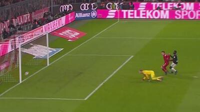 Tapadota, poste y el balón le dice que no a Lewandowski para haber cantado el primero del Bayern