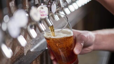 Beber una copa de vino o una cerveza al día representa un riesgo para la salud, según un estudio