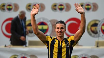 El holandés Robin van Persie firma con el Fenerbahçe