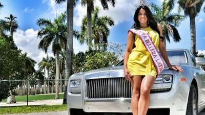 Vanessa de Roide posó en un Rolls-Royce