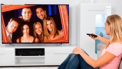 Buscan a súper fan de la serie 'Friends' que logre verla durante 25 horas ininterrumpidas