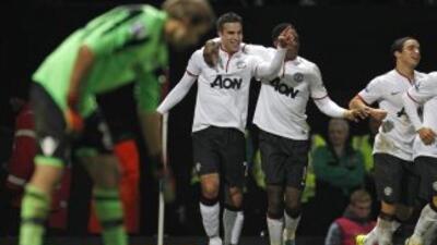 Manchester United se salva en el descuento de la eliminación en Copa ante West Ham