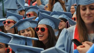 Gobierno advierte a estudiantes extranjeros que perderán el permiso de trabajo si cambian de escuela