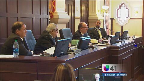 Comisionados del condado de Bexar se unen a la demanda de San Antonio contra la ley SB4