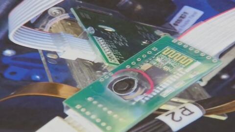 Encuentran siete dispositivos de clonación de tarjetas de crédito en gasolineras de Hialeah