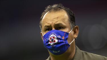 """Reynoso señala que aficionados de Cruz Azul """"han salido del clóset"""""""