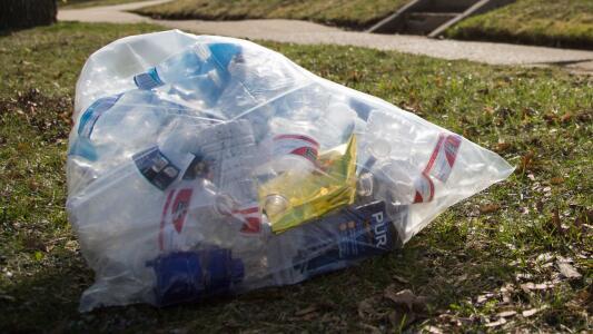 ¿A qué se debe el retraso en la recolección de basura en la ciudad de Houston?