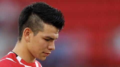 Alerta por el 'Chucky' Lozano: no terminó su entrenamiento con el PSV por golpe en un tobillo