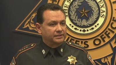 Alguacil del condado de Harris realiza investigación independiente en caso de oficiales que dispararon a menores