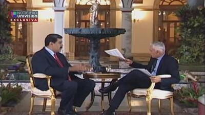 """""""Grab your garbage, buddy"""": Nicolás Maduro's reaction when Jorge Ramos showed him the list of political prisoners"""