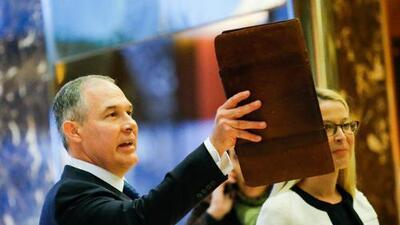 Latino Victory: Scott Pruitt debe renunciar