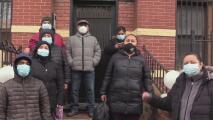 """""""Han salido ratas grandes"""": inquilinos de un edificio en Brooklyn denuncian condiciones deplorables en que viven"""