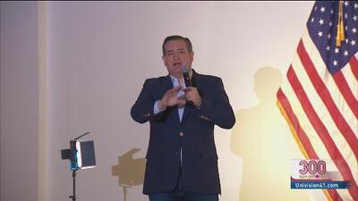 Ted Cruz llega a la ciudad de Álamo y pide a los residentes que salgan a votar