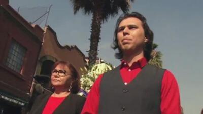 Joao Aguilera, hijo biológico de Juan Gabriel, le rinde homenaje a su padre