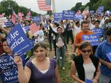 Latinos apoyan la reforma migratoria de Biden, pero culparán a ambos partidos si el Congreso no la aprueba