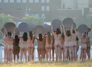 En fotos: Mujeres desnudas contra el discurso misógino de Trump