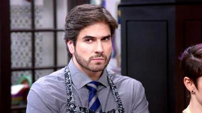 Robert teme que Pancho López le quite su lugar como hijo favorito de Blanca