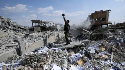 En fotos: El ataque conjunto de EEUU, Reino Unido y Francia que destruyó instalaciones de armas químicas en Siria