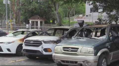 Prenden fuego a vehículos de la policía de Vega Baja