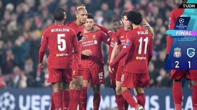 Liverpool vence al Genk sin pisar el acelerador