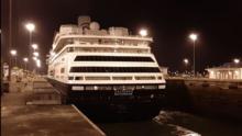 """En Florida se oponen a llegada de crucero afectado por coronavirus, mientras tripulación pide """"compasión"""""""