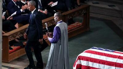 """Obama durante el funeral de John McCain: """"Hay cosas más grandes que el partido, la ambición, el dinero, la fama o el poder"""""""