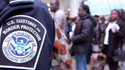 Publican nueva regla sobre revisión de redes sociales de extranjeros que viajan a EEUU