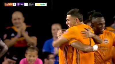 Mauro Manotas pone medio gol y Christian Ramírez la manda a guardar