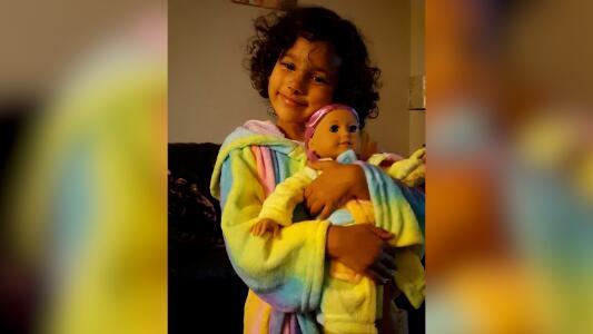 """Adolescente acusado de asesinar a una niña declara que un 'hombre en la sombra"""" lo controlaba"""