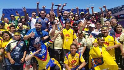 EN FOTOS: El Pelón se puso la camiseta para seguir a las 'Águilas' hasta la Bahía