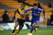 Wolverhampton y Leicester City reparten puntos tras empate 0-0 en el Molineaux. Los Wolves ocupan el lugar 14 en la tabla, mientras que los 'Foxes' están en la tercera posición, sólo dos puntos abajo del Manchester United en la Premier League. El mexicano Raúl Jiménez aún no se incorpora al equipo.