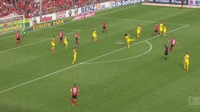 El recién ingresado Gondorf del Freiburg le metió un susto al Dortmund
