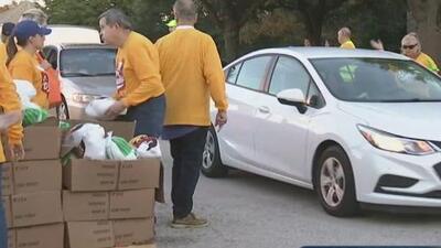 Regalan 1,350 cenas para el Día de Acción de Gracias a los más necesitados en Plano