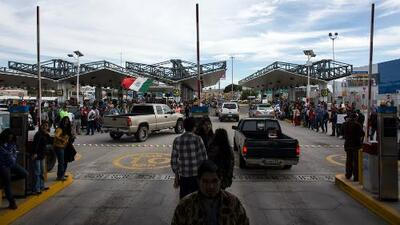 Desabastecimiento total de gasolina en algunas zonas de la frontera mexicana recrudece las protestas